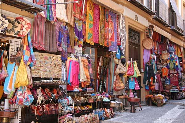 La Alcaicería market in Granada | Go2Alhambra com