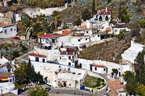 Sacromonte - Gypsy quarter in Granada | Go2Alhambra com